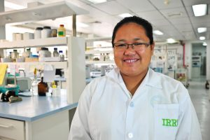 Mariafe Calingacion is breaking new frontiers in phenotyping to understand the compounds that confer the quality traits of aroma, flavor, and taste in rice.