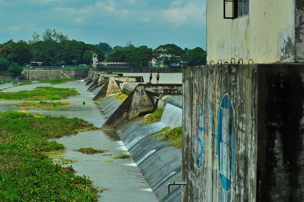 The Angat Dam in Central Luzon, Philippines supplies about 90 percent of raw water requirements for Metro Manila and irrigates about 28,000 hectares of farmland in the provinces of Bulacan and Pampanga. (Photo by Isagani Serrano, IRRI)