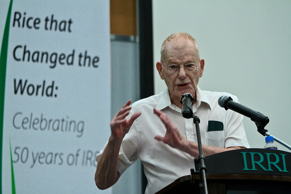 Dr. Jennings is senior scientist emeritus at IRRI, who led the team that bred IR8 in the early 1960s. (Photo by Isagani Serrano, IRRI)