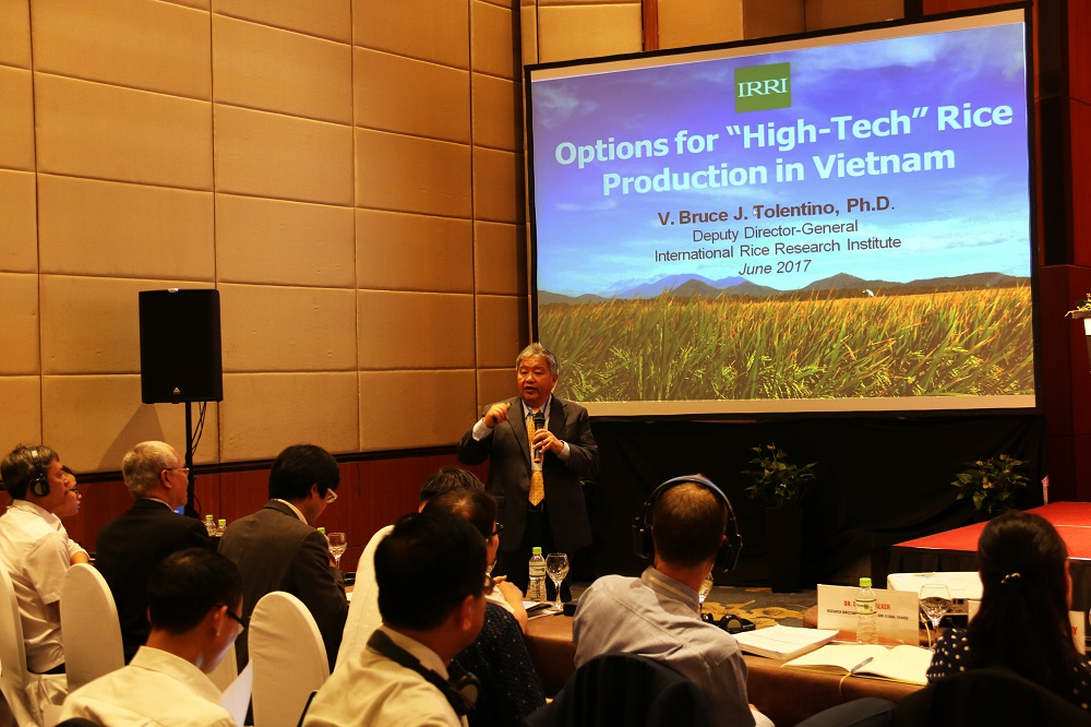 """Global warming is real and it will reduce rice productivity,"" stressed Dr. Tolentino, deputy director general for communication at IRRI. ""Vietnam should improve the quality of its rice especially to the mindset of the international market."" (Photo: CCAFS)"