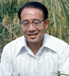 On 12 March 1988, T.T. Chang, IRRI's first geneticist (and principal scientist at the time), and Peter Jennings, IRRI's first rice breeder, shared the Rank Prize for Agronomy and Nutrition. In the early days after they were hired by IRRI's first director general, Robert Chandler, they quickly assembled a large collection of rice varieties, including the short-statured cultivars from Taiwan. From this early assemblage of germplasm, Jennings made the crosses that ultimately resulted in IR8. However, exactly 19 years later on the same date, 12 March 2007, IRRI's Genetic Resources Center (GRC) was named the T.T. Chang Genetic Resources Center in his memory. He had passed away, at age 78, the previous year on 24 March 2006. (Photo: IRRI)