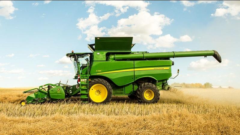 Rice combine harvester (Photo: John Deere)