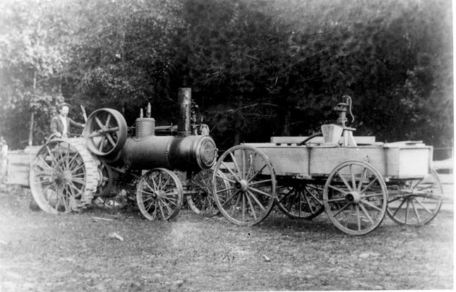 Steam Tractor Acadian Parish ca. 1895 (Image courtesy of the Center for Louisiana Studies, University of Louisiana at Lafayette.)